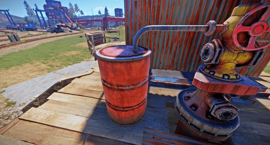 Ёмкость для хранения добытой сырой нефти в игре Rust
