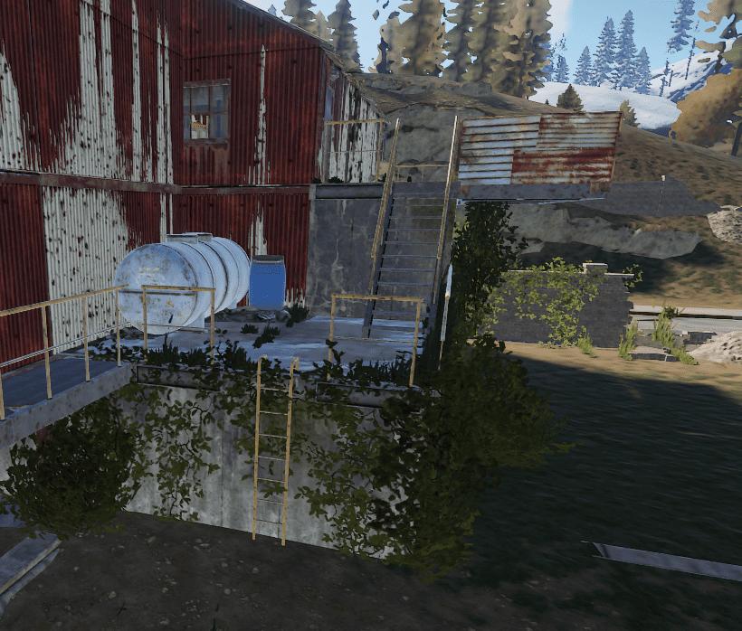 Лестницы, ведующие к синей двери на РТ Водоочистная станция в Rust