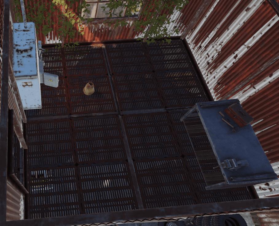 Первый ремонтный верстак на РТ Водоочистная станция в Rust