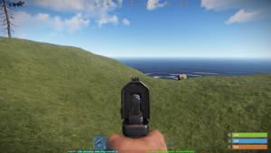 Стандартный прицел полуавтоматического пистолета в Rust